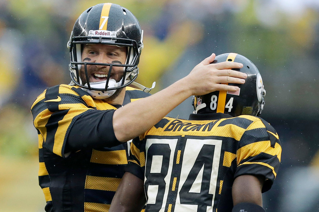. Pittsburgh Steelers quarterback Ben Roethlisberger (7) celebrates with wide receiver Antonio Brown (84) after the two connected for a touchdown catch in the first half of an NFL football game against the Detroit Lions in Pittsburgh, Sunday, Nov. 17, 2013. (AP Photo/Gene J. Puskar)