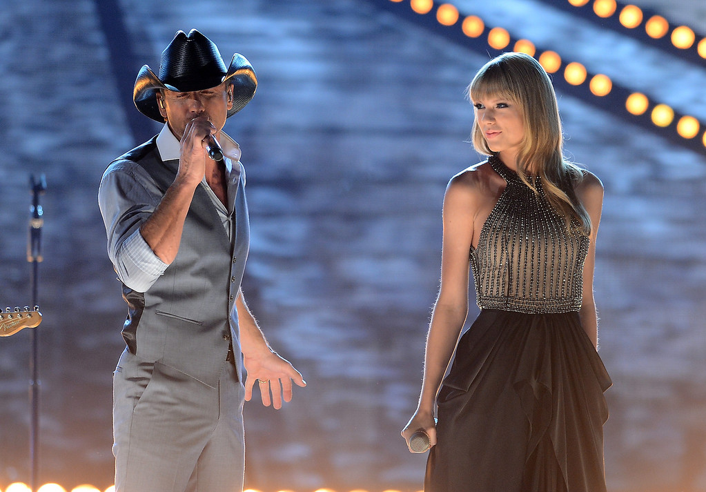 . Singers Tim McGraw and Taylor Swift perform onstage during the 48th Annual Academy of Country Music Awards at the MGM Grand Garden Arena on April 7, 2013 in Las Vegas, Nevada.  (Photo by Ethan Miller/Getty Images)