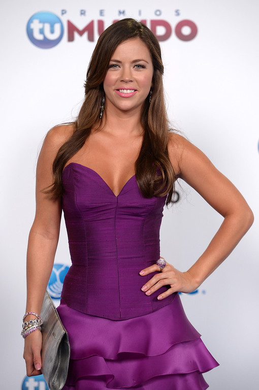 . MIAMI, FL - AUGUST 15:  Ximena Duque arrives for Telemundo\'s Premios Tu Mundo Awards at American Airlines Arena on August 15, 2013 in Miami, Florida.  (Photo by Gustavo Caballero/Getty Images)