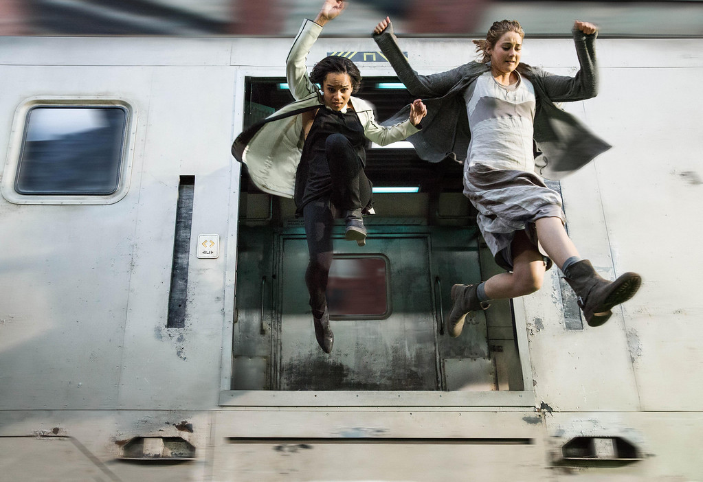 ". This image released by Summit Entertainment shows Zoe Kravitz, left, and Shailene Woodley in a scene from ""Divergent.\"" (AP Photo/Summit Entertainment, Jaap Buitendijk)"