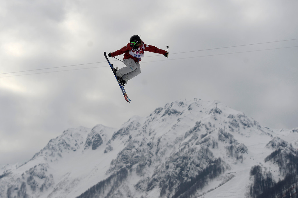 . Devin Logan of the USA slides down into the finish area as she fell after landing on the final jump in the women\'s Freestyle Skiing Slopestyle final in the Rosa Khutor Extreme Park at the Sochi 2014 Olympic Games, Krasnaya Polyana, Russia, 11 February 2014.  EPA/JENS BUETTNER