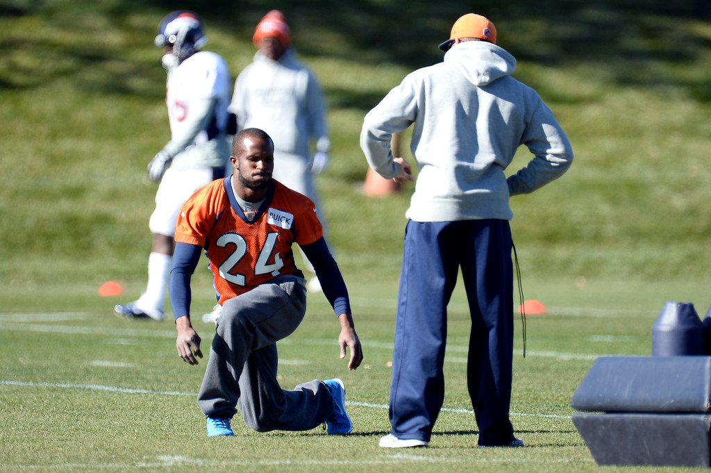 . Denver Broncos cornerback Champ Bailey (24) works on his rehab during practice November 6, 2013 at Dove Valley. (Photo by John Leyba/The Denver Post)