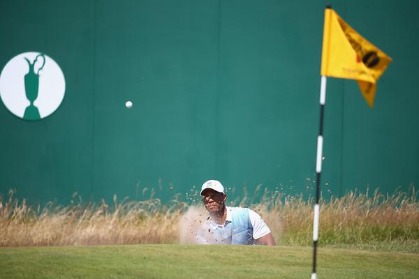 PHOTOS: 2014 British Open Golf Championship, Round 1 – July 17, 2014