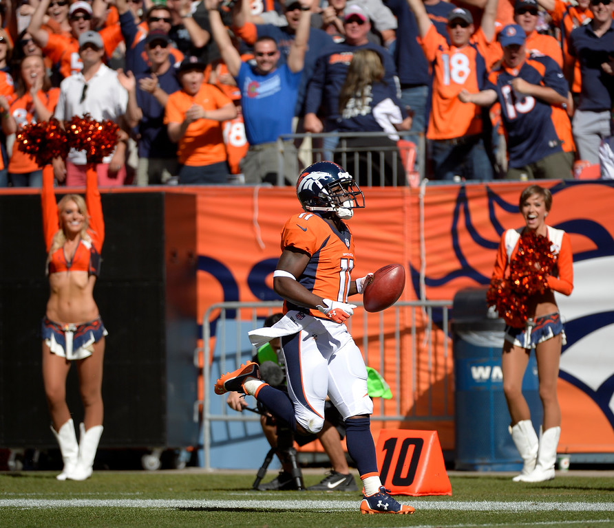 . Denver Broncos wide receiver Trindon Holliday (11) heads to the goal line on a kickoff return for a Broncos score during the first quarter.  (Photo by Joe Amon/The Denver Post)