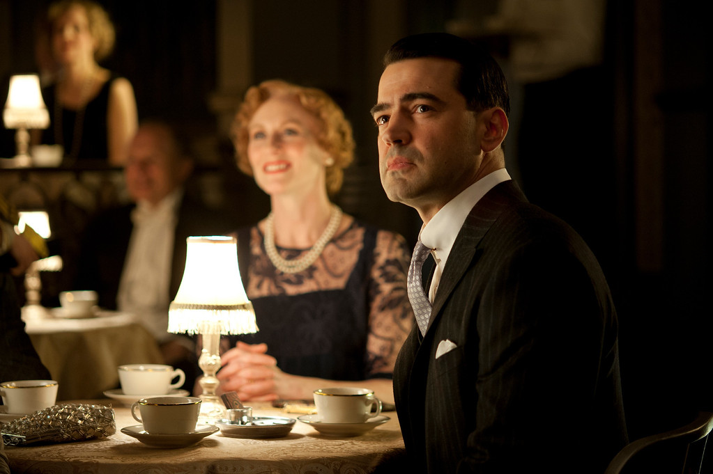 . BOARDWALK EMPIRE episode 39 (season 4, episode 3): Elizabeth Ward Land, Ron Livingston. photo: Macall B. Polay