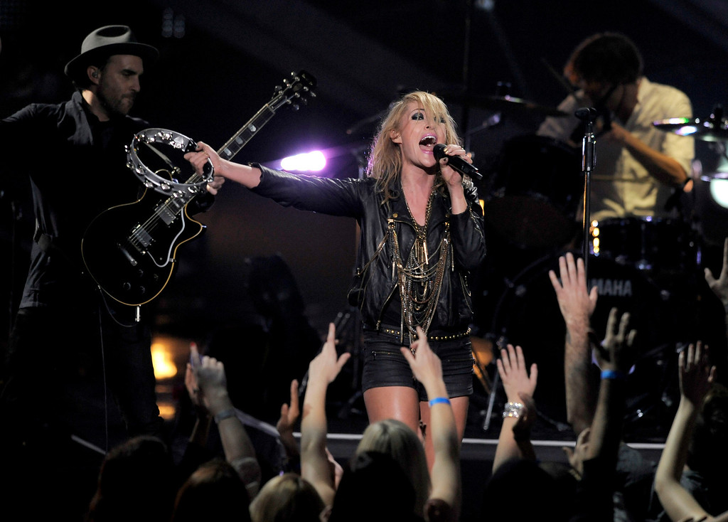 . Metric performs during VH1 Divas on Sunday, Dec. 16, 2012, at the Shrine Auditorium in Los Angeles. (Photo by Chris Pizzello/Invision/AP)