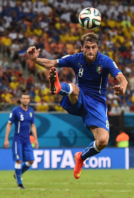 . Italy\'s midfielder Claudio Marchisio controls the ball during a Group D football match between England and Italy at the Amazonia Arena in Manaus during the 2014 FIFA World Cup on June 14, 2014.        AFP PHOTO / BEN STANSALL