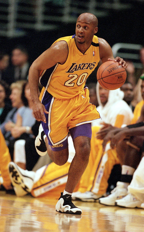 . Brian Shaw #20 of the Los Angeles Lakers dribbles down the court during the NBA Western Conference Playoffs Round One Game against the Sacramento Kings at the Staples Center in Los Angeles, California. (Tom Hauck/Getty Images)