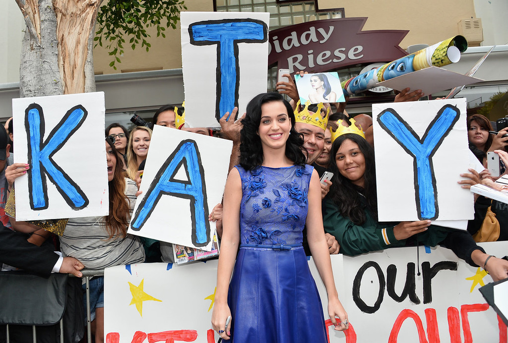 """. Actress/Singer Katy Perry attends the premiere Of Columbia Pictures\' \""""Smurfs 2\"""" at Regency Village Theatre on July 28, 2013 in Westwood, California.  (Photo by Alberto E. Rodriguez/Getty Images)"""
