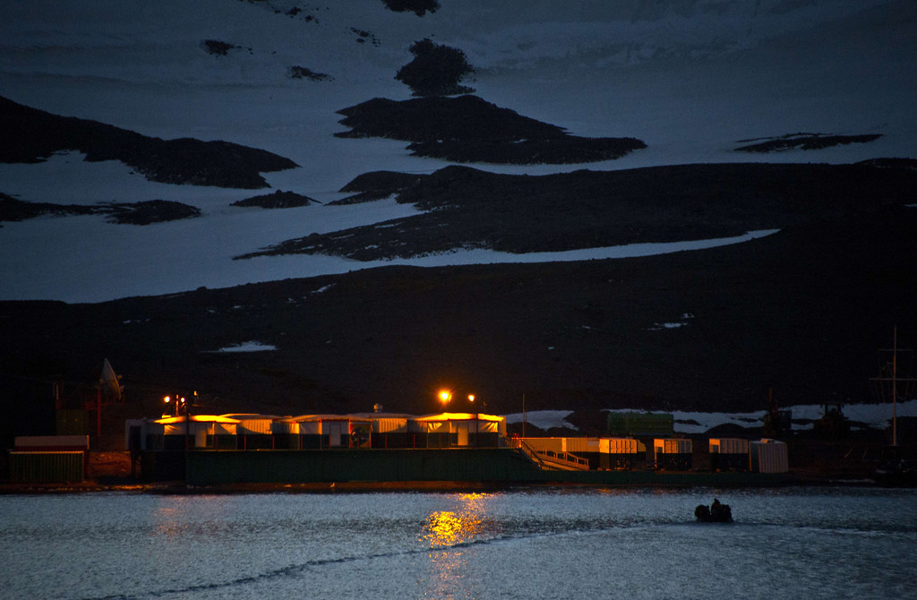 . A Brazilian Navy boat takes supplies to the Brazilian base of Comandante Ferraz in Antarctica seen from the Brazilian Navy\'s Oceanographic Ship Ary Rongel on March 7, 2014.     AFP PHOTO /VANDERLEI ALMEIDA/AFP/Getty Images