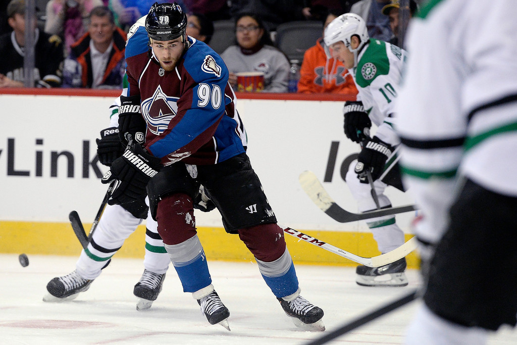 . Colorado Avalanche center Ryan O\'Reilly (90) brings the puck up the ice against the Dallas Stars during the first period.  (Photo by AAron Ontiveroz/The Denver Post)