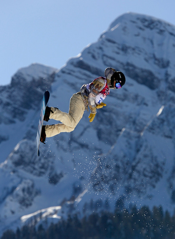 . US Ryan Stassel competes in the Men\'s Snowboard Slopestyle second heat qualification at the Rosa Khutor Extreme Park during the Sochi Winter Olympics on February 6, 2014. AFP PHOTO / JAVIER SORIANO/AFP/Getty Images