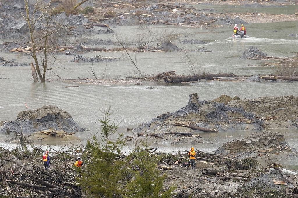 . Search and rescue teams continue to work on March 27, 2014 in Oso, Washington. (Photo by Ted S. Warren-Pool/Getty Images)