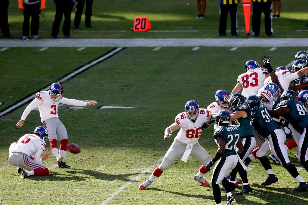 . New York Giants kicker Josh Brown (3) kicks a field goal during the second half of an NFL football game against the Philadelphia Eagles on Sunday, Oct. 27, 2013, in Philadelphia. (AP Photo/Matt Rourke)