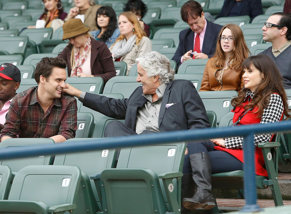 ". This 2012 image released by Fox shows, from left, Jake Johnson, Dennis Farina, and Zooey Deschanel in a scene from ""New Girl.\""  (AP Photo/Fox, Greg Gayne)"