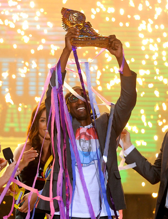 . Daniel Maree, of Million Hoodies Movement for Justice, reacts after he is announced as the winner of the grand prize at the Do Something Awards at the Avalon on Wednesday, July 31, 2013, in Los Angeles. (Photo by Chris Pizzello/Invision/AP)