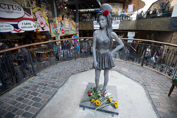 PHOTOS: Amy Winehouse statue unveiled in London