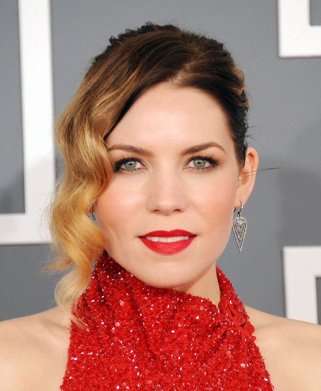 . Skylar Grey arrives at the 55th annual Grammy Awards on Sunday, Feb. 10, 2013, in Los Angeles.  (Photo by Jordan Strauss/Invision/AP)