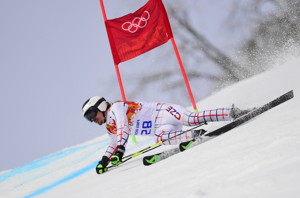 . Czech Republic\'s Ondrej Bank competes during the Men\'s Alpine Skiing Giant Slalom Run 1 at the Rosa Khutor Alpine Center during the Sochi Winter Olympics on February 19, 2014.    AFP PHOTO / FABRICE COFFRINI  /AFP/Getty Images