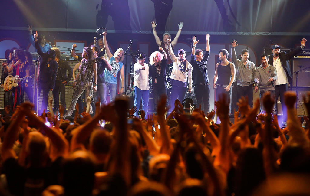 . Artists who performed at the Boston Strong Concert take the stage during an Evening of Support and Celebration at the TD Garden on Thursday, May 30, 2013 in Boston. (Photo by Bizuayehu Tesfaye/Invision/AP)