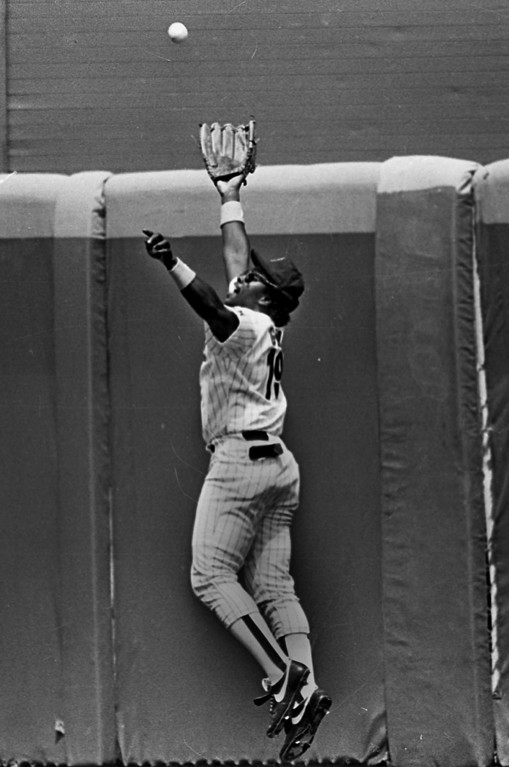 . San Diego Padres\' Tony Gwynn makes a leaping catch at the wall in an undated photo taken in San Diego. (AP Photo/Lenny Ignelzi)