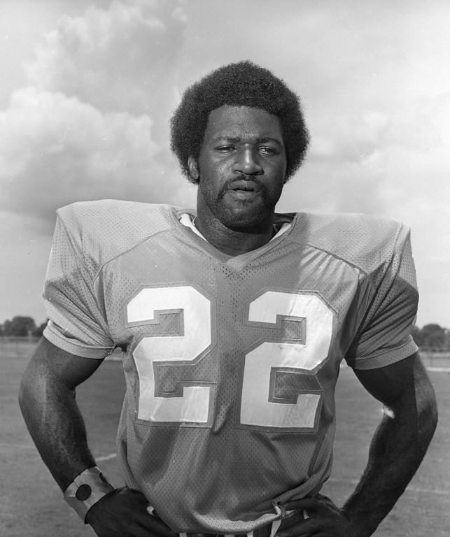 ". Miami Dolphins running back Eugene \""Mercury\"" Morris shown Aug. 9, 1972. (AP Photo)"