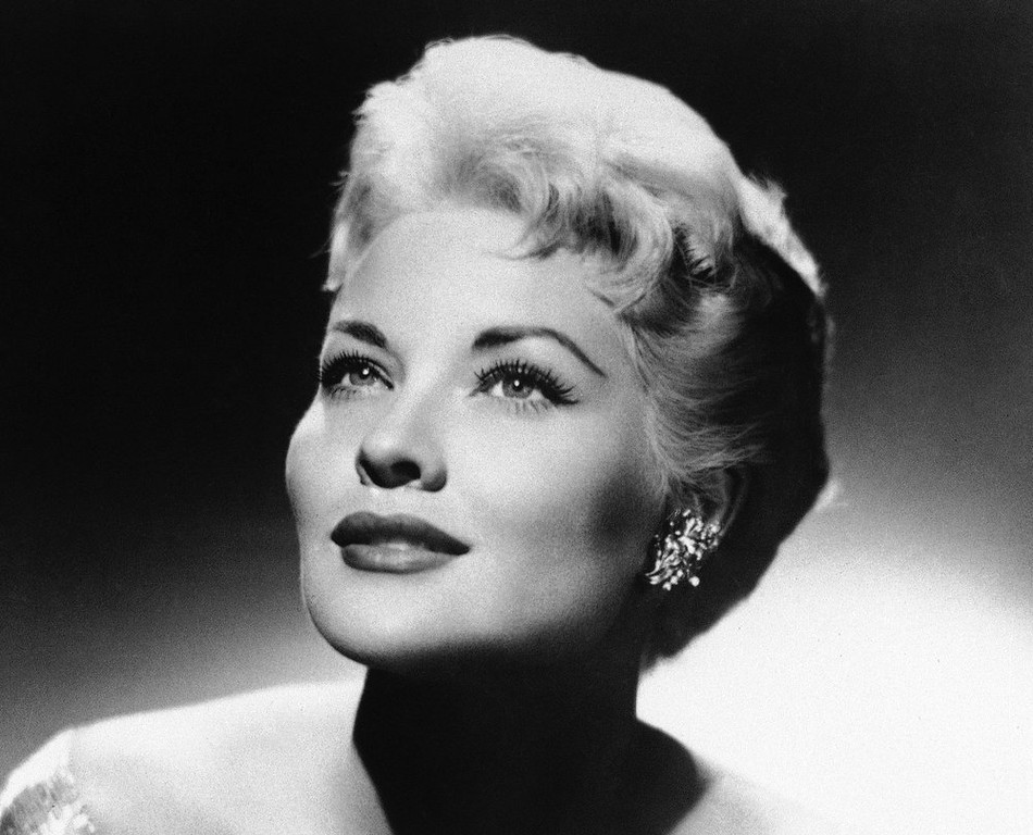 """. This 1958 file photo shows singer Patti Page. Page, who made \""""Tennessee Waltz\"""" the third best-selling recording ever, died Tuesday, Jan. 1, 2012 in Encinitas, Calif. She was 85. (AP Photo, File)"""