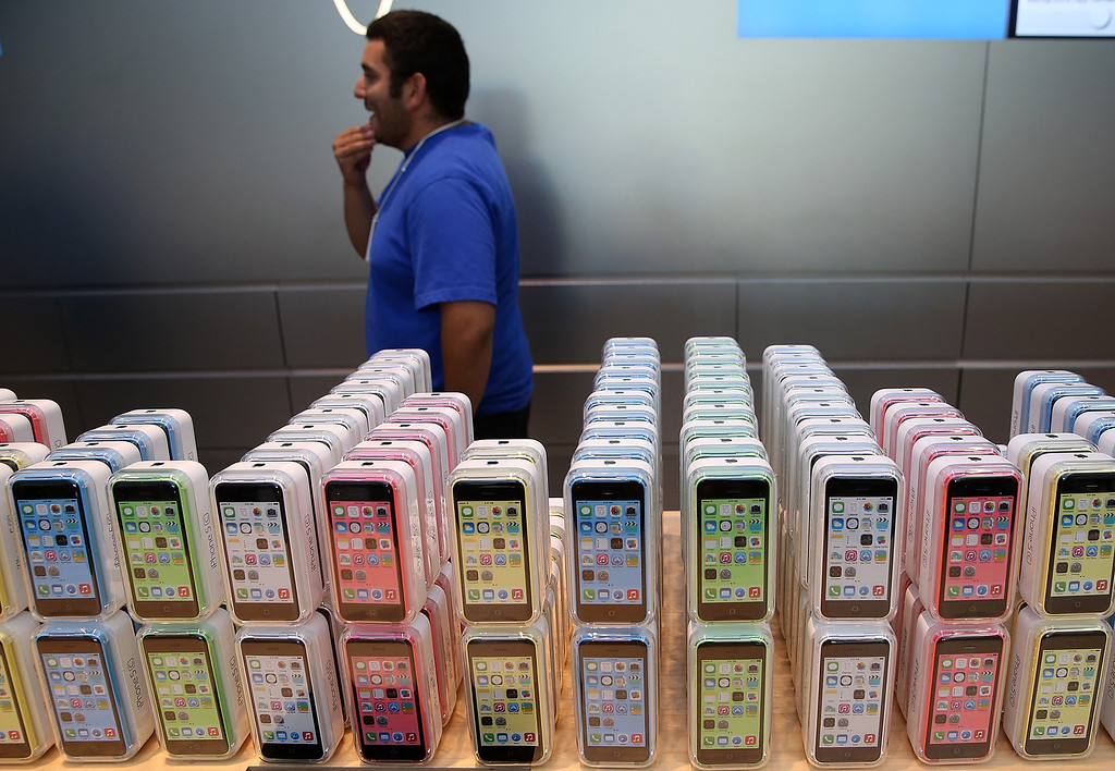 . The new Apple iPhone 5C is displayed at an Apple Store on September 20, 2013 in Palo Alto, California.   (Photo by Justin Sullivan/Getty Images)