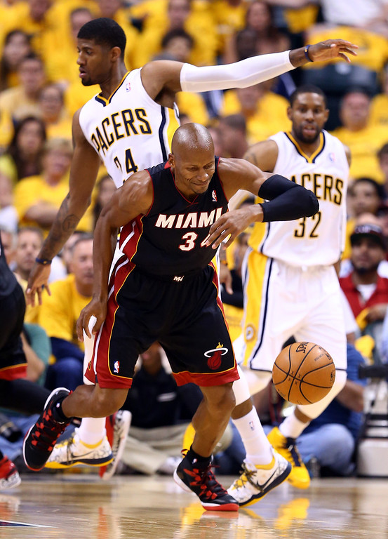 . INDIANAPOLIS, IN - MAY 28: Ray Allen #34 of the Miami Heat goes for a loose ball against the Indiana Pacers during Game Five of the Eastern Conference Finals of the 2014 NBA Playoffs at Bankers Life Fieldhouse on May 28, 2014 in Indianapolis, Indiana.  (Photo by Andy Lyons/Getty Images)