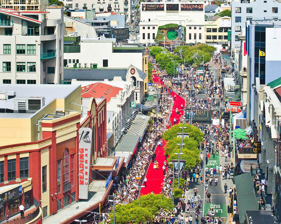 . A 500-metre-long (547 yards) red carpet, which runs along Courtenay Place to the Embassy Theatre (top) at the world premiere of \'The Hobbit - An Unexpected Journey\', is seen in Wellington November 28, 2012. REUTERS/Positively Wellington Tourism/Handout