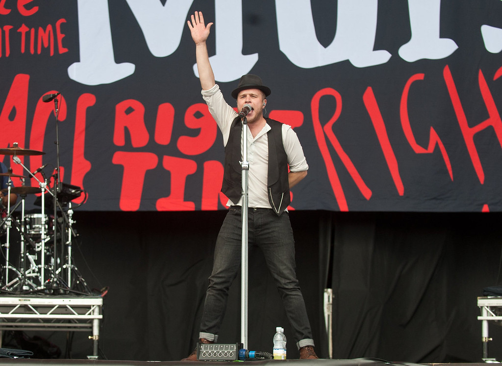 . Olly Murs performs on day 2 of the V Festival at Hylands Park on August 18, 2013 in Chelmsford, England. (Photo by Rob Harrison/Getty Images)