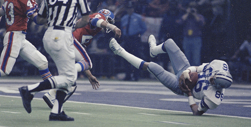. Dallas Cowboys\' Butch Johnson catches the game-winning pass in the end zone that gave the Cowboys a 27-10 victory over the Denver Broncos in Super Bowl XII, Jan. 15, 1978, at the Louisiana Superdome in New Orleans.  (AP Photo)