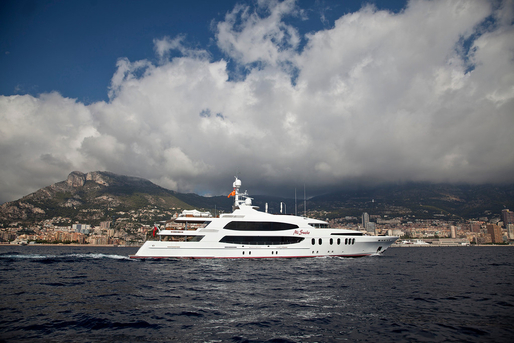 . The 190ft (57.9m) motor yacht Mi Sueno, manufactured by Trinity Yachts LLC, sails from the harbor in Nice, France, on Wednesday, Sept. 25, 2013.  Photographer: Balint Porneczi/Bloomberg