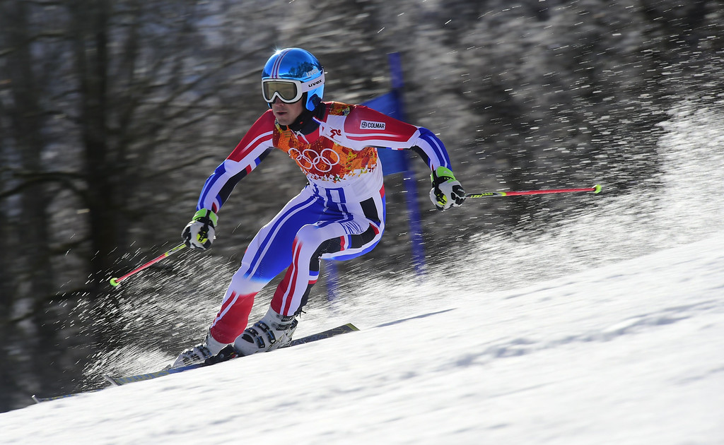 . France\'s Steve Missillier competes during the Men\'s Alpine Skiing Giant Slalom Run 2 at the Rosa Khutor Alpine Center during the Sochi Winter Olympics on February 19, 2014.    AFP PHOTO / FABRICE COFFRINI  /AFP/Getty Images