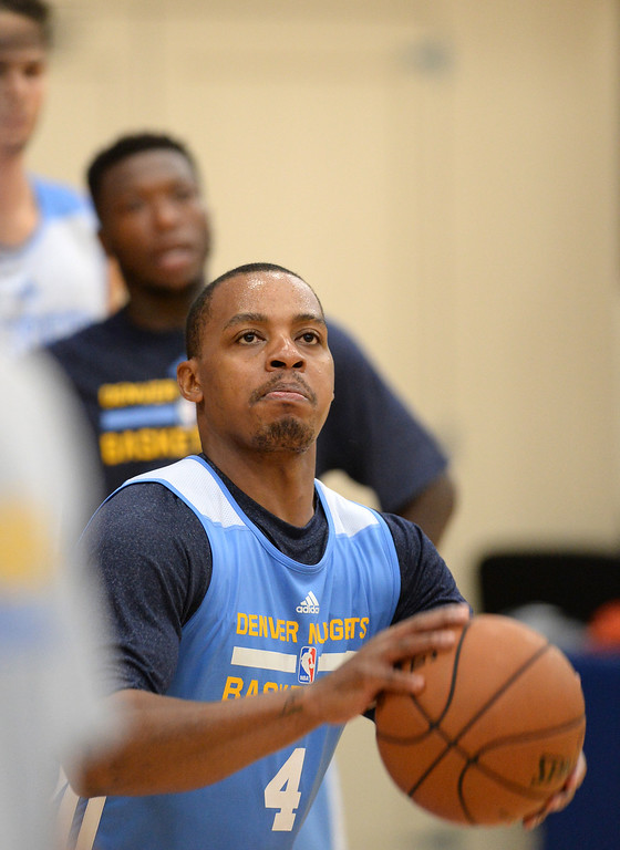 . Randy Foye of Denver Nuggets (4) in team practice at Pepsi Center. Denver, Colorado. October 2, 2013. (Photo by Hyoung Chang/The Denver Post)