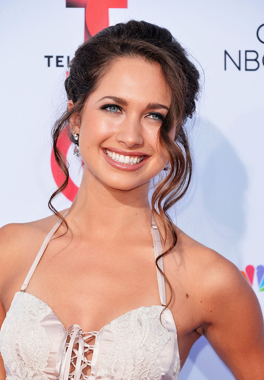 . PASADENA, CA - SEPTEMBER 27:  Actress Maiara Walsh arrives at the 2013 NCLR ALMA Awards at Pasadena Civic Auditorium on September 27, 2013 in Pasadena, California.  (Photo by Alberto E. Rodriguez/Getty Images for NCLR)