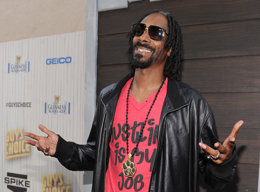 . Snoop Dogg, aka Snoop Lion, arrives at Spike TV\'s Guys Choice Awards at Sony Pictures Studios on Saturday, June 8, 2013, in Culver City, Calif. (Photo by Frank Micelotta/Invision/AP)