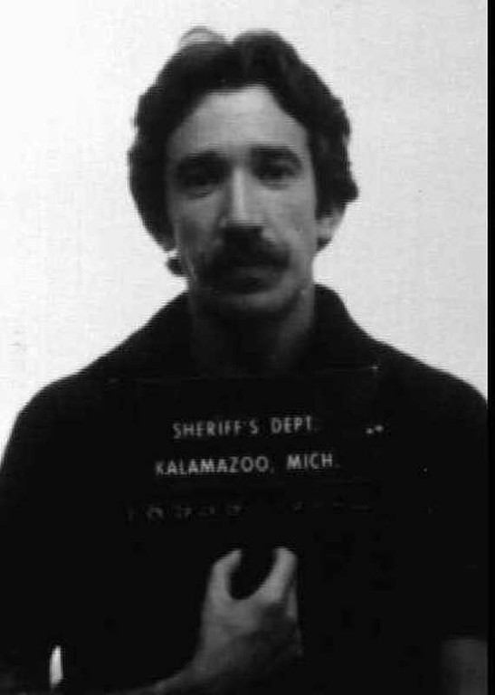 ". Actor Tim Allen is shown in this 1979 mugshot from the Kalamazoo, Mich. sheriff\'s department after being arrested for dealing cocaine. This photo is included in the paperback book, ""Famous Mugs: Arresting Photos and Felonious Facts for Hundreds of Stars Behind Bars.\"" (AP Photo/ho)"