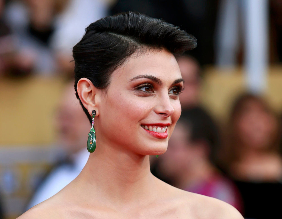 """. Actress Morena Baccarin of the tv drama \""""Homeland\"""" arrives at the 19th annual Screen Actors Guild Awards in Los Angeles, California January 27, 2013.  REUTERS/Adrees Latif"""