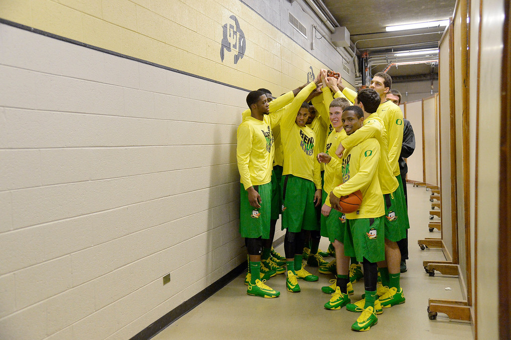 . Oregon Ducks players get ready to head to the court for their game against the Colorado Buffaloes January 5, 2014 at Coors Events Center. (Photo by John Leyba/The Denver Post)