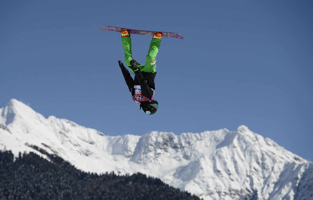. Ireland\'s Seamus O Connor competes in the Men\'s Snowboard Slopestyle qualifications at the Rosa Khutor Extreme Park during the Sochi Winter Olympics on February 6, 2014.  AFP PHOTO / FRANCK FIFE/AFP/Getty Images