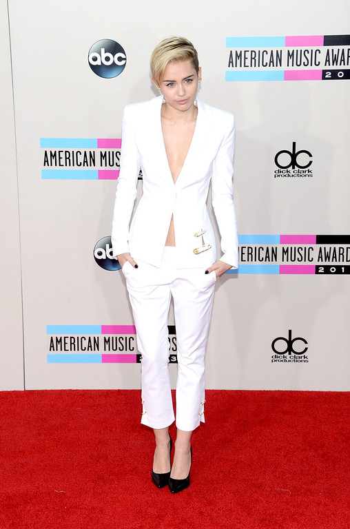 . Singer Miley Cyrus attends the 2013 American Music Awards at Nokia Theatre L.A. Live on November 24, 2013 in Los Angeles, California.  (Photo by Jason Kempin/Getty Images)