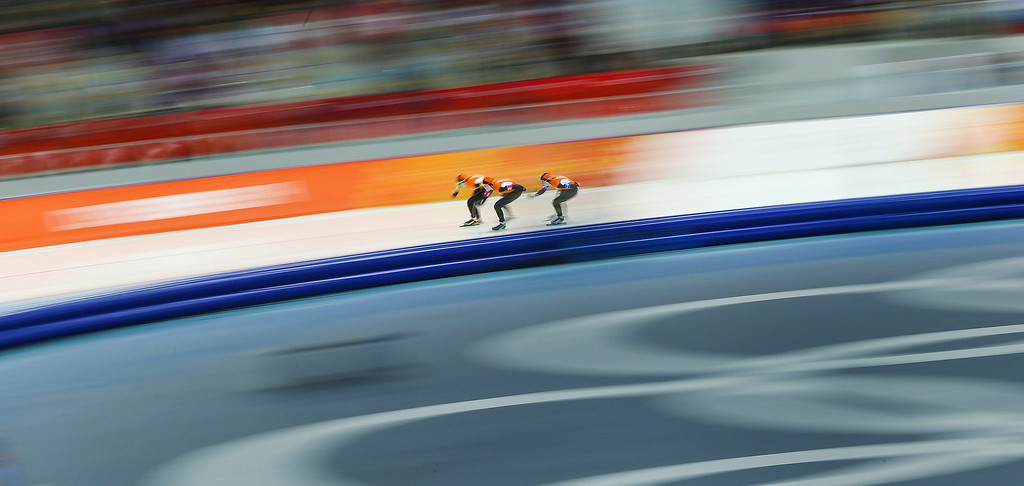 . (L-R) Ireen Wust, Lotte van Beek and Jorien ter Mors of the Netherlands in action during the Women\'s Team Pursuit Quarterfinal Speed Skating event in the Adler Arena at the Sochi 2014 Olympic Games, Sochi, Russia, 21 February 2014.  EPA/HANNIBAL HANSCHKE