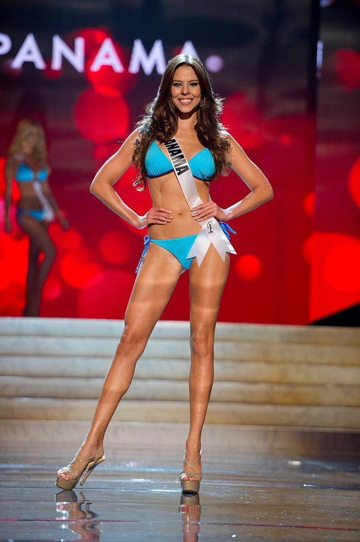 . Miss Panama Stephanie Vander Werf competes in her Kooey Australia swimwear and Chinese Laundry shoes during the Swimsuit Competition of the 2012 Miss Universe Presentation Show at PH Live in Las Vegas, Nevada December 13, 2012. The 89 Miss Universe Contestants will compete for the Diamond Nexus Crown on December 19, 2012. REUTERS/Darren Decker/Miss Universe Organization/Handout