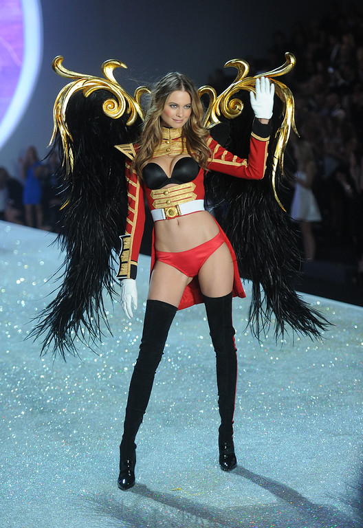 . Model Behati Prinsloo walks the runway at the 2013 Victoria\'s Secret Fashion Show at Lexington Avenue Armory on November 13, 2013 in New York City.  (Photo by Jamie McCarthy/Getty Images)