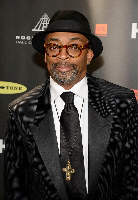 . Director Spike Lee arrives at the 2013 Rock and Roll Hall of Fame induction ceremony in Los Angeles April 18, 2013.   REUTERS/Phil McCarten