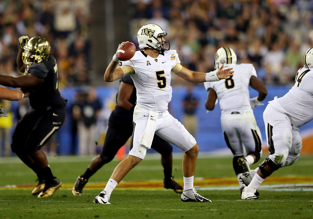 . GLENDALE, AZ - JANUARY 01:  Quarterback Blake Bortles #5 of the UCF Knights throws against the Baylor Bears during the Tostitos Fiesta Bowl at University of Phoenix Stadium on January 1, 2014 in Glendale, Arizona.  (Photo by Ronald Martinez/Getty Images)