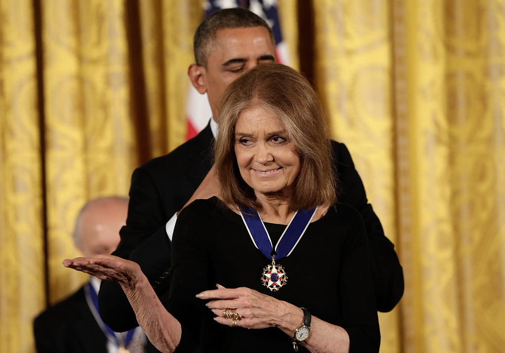. U.S. President Barack Obama awards the Presidential Medal of Freedom to Gloria Steinem in the East Room at the White House on November 20, 2013 in Washington, DC.   (Photo by Win McNamee/Getty Images)