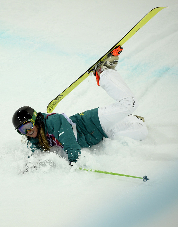 . Australia\'s Amy Sheehan crashes in the Women\'s Freestyle Skiing Halfpipe finals at the Rosa Khutor Extreme Park during the Sochi Winter Olympics on February 20, 2014.    AFP PHOTO / FRANCK FIFE/AFP/Getty Images