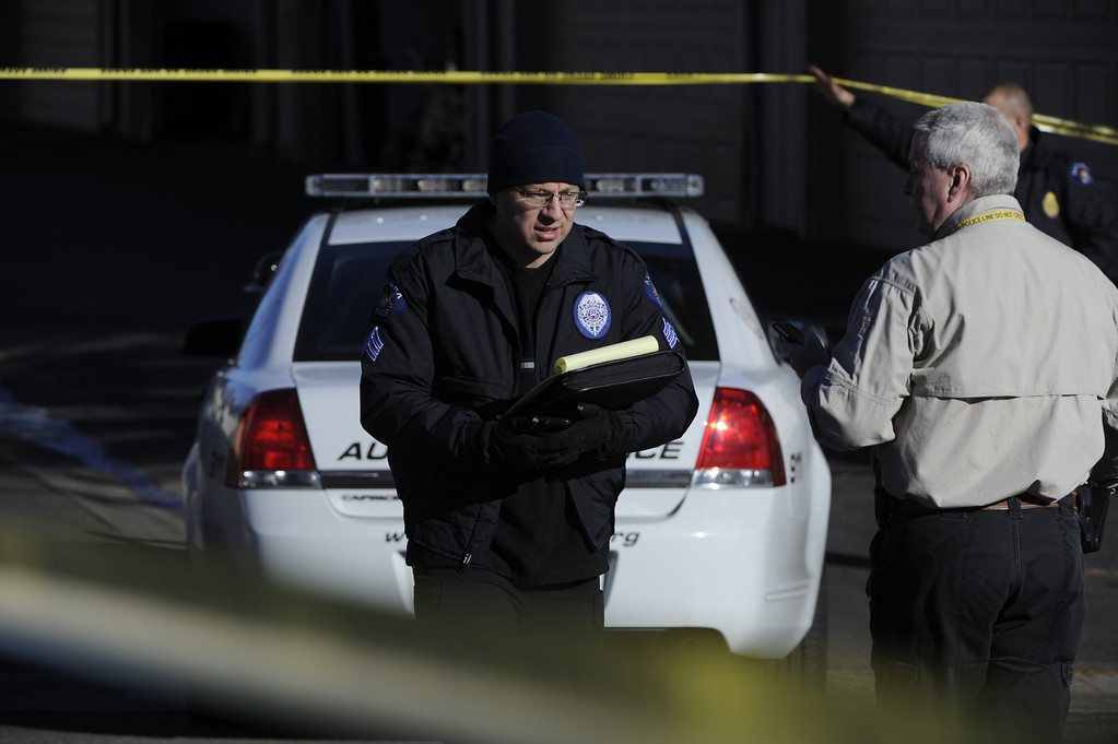 . Murder scene near the intesection of Ithica Pl. and Kittredge in Aurora Saturday morning. Four poeple were killed including the shooter. Andy Cross, The Denver Post